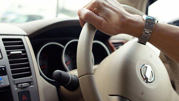 До какого возраста можно управлять автомобилем по закону. Ответ юриста