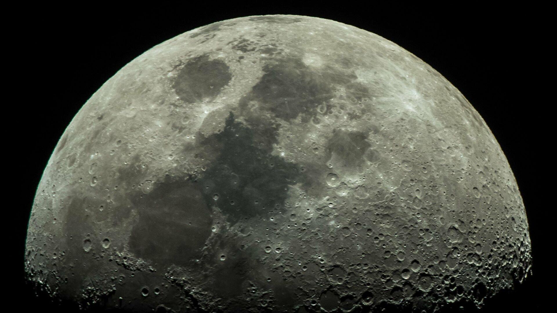 На Луне в неожиданном месте нашли воду